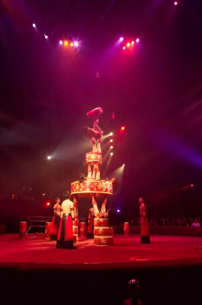 Toujours des acrobates jongleurs